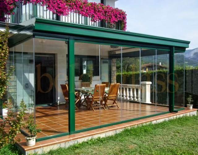 Ideas para animarte a cerrar tu terraza persianas en - Cerrar una terraza ...